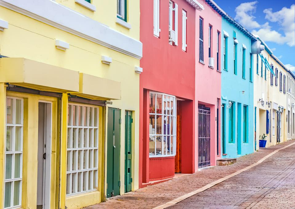 The British Overseas Territory has launched the Work From Bermuda digital nomad visa, aimed at attracting digital nomads and remote workers to work on its shores for 12 months. The application fee is also cheaper at USD 263 fee, which includes the flexibility to travel to and from the country during the one-year stay. Family members can also avail of the scheme as long as they can show proof of sufficient financial support. <br>The island nation has been following a rigorous COVID-19 testing system which has enabled it to keep the virus under control. Bermuda has seen a total of 181 cases and nine deaths. <br><strong>Eligibility: </strong>Applicants are required to submit a negative COVID-19 test result within seven days of travel. They will again be tested on arrival at Bermuda's LF Wade International Airport, and on the eighth and 14th day of their trip.