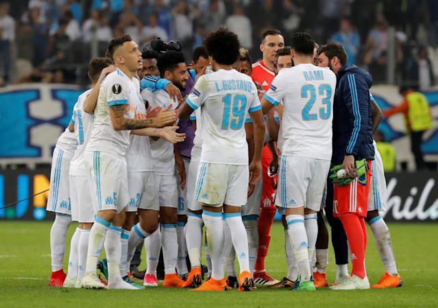 Soccer Football - Europa League Semi Final First Leg - Olympique de Marseille vs RB Salzburg - Orange Velodrome, Marseille, France - April 26, 2018 Marseille's Adil Rami, Luiz Gustavo, Lucas Ocampos and team mates celebrate at the end of the match REUTERS/Eric Gaillard