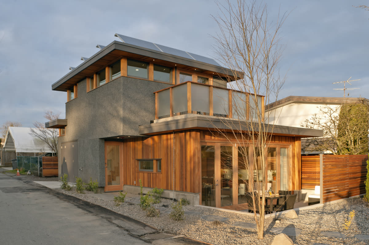 <p>This house is 1,050 square feet with one bedroom, two bathrooms and a single car garage. (LaneFab) </p>