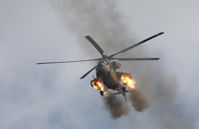 Iraq ISIS Mosul helicopter gunship gunfire airstrike bombing