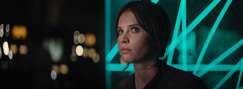 """Someone spliced together the end of """"Rogue One"""" and beginning of """"New Hope"""" and you need to see this"""