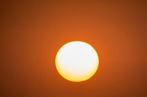 <p>Dimming Sun's rays to cool planet will affect storms too: study</p>