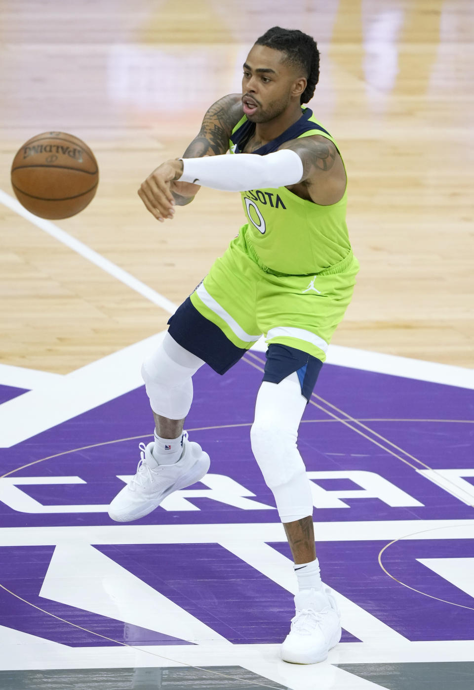 D'Angelo Russell passes the ball for the Minnesota Timberwolves.