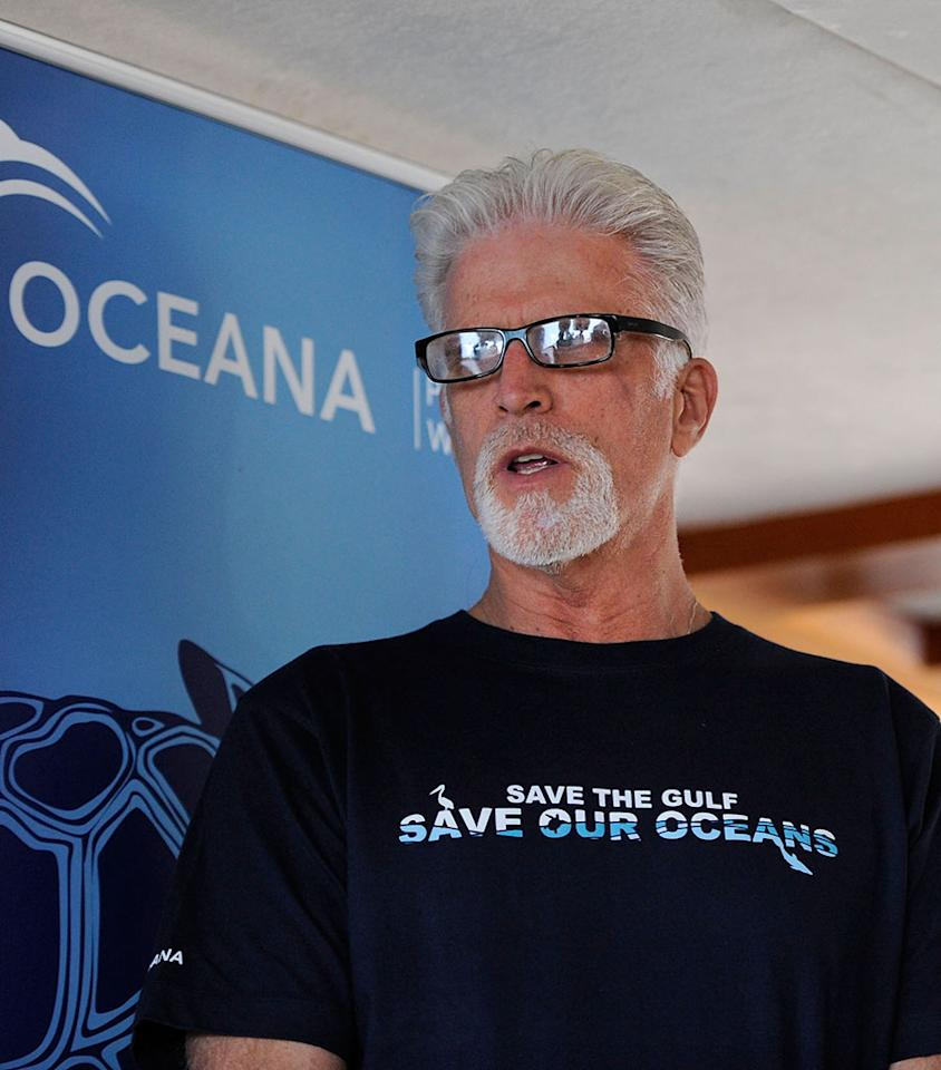 GULFPORT, MS - AUGUST 24:  (L-R): Actors Ted Danson and Morgan Freeman attend Nautica and Oceana Gulfport Press Conference at Gulfport Marina on August 24, 2010 in Gulfport, Mississippi.  (Photo by Erika Goldring/Getty Images for Oceana) *** Local Caption *** Ted Danson;Morgan Freeman