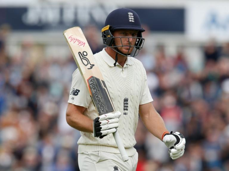 Jos Buttler scored 89 runs as England made 332 in the first innings of the fifth Test against India