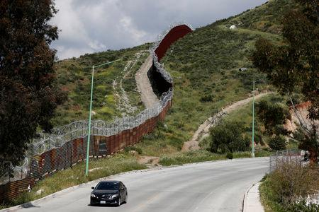 DHS sending 750 more agents to U.S.-Mexico border over 'influx'