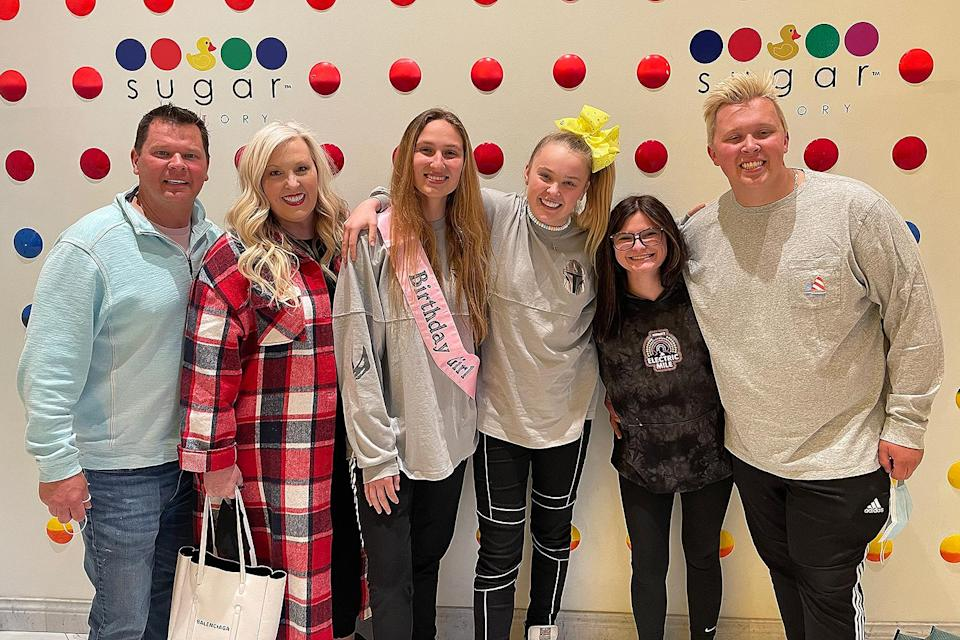<p>JoJo Siwa and girlfriend Kylie join the singer's family at Sugar Factory Century City in California on Thursday for birthday treats including the King Sundae.</p>