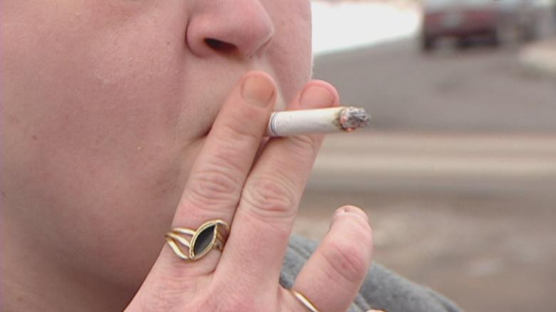 Stratford passes bylaw banning smoking on town property