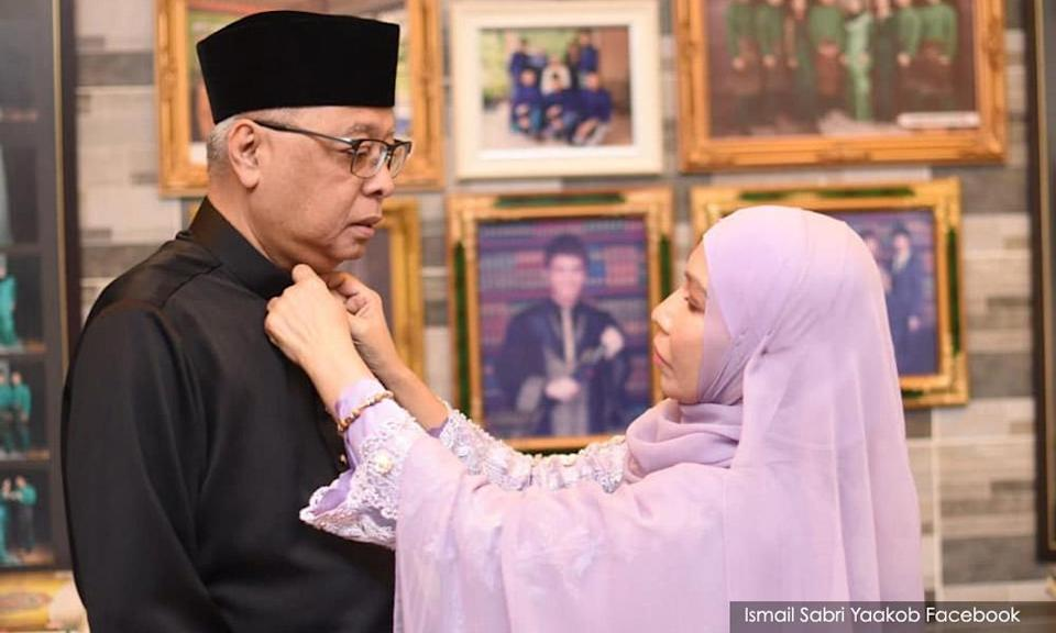New PM expresses gratitude to his wife
