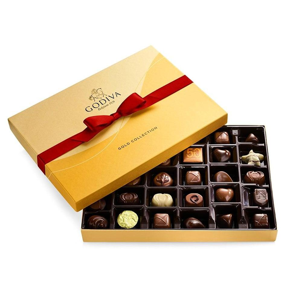 <p>Not one person will be upset about this <span>Godiva Gold Gift Box</span> ($50).</p>