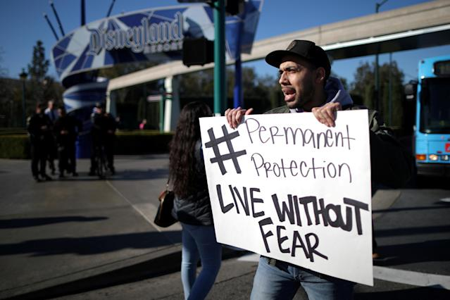 DACA recipients and supporters demonstrate in favor of a clean Dream Act outside Disneyland in Anaheim, Calif., Jan. 22, 2018. (Photo: Lucy Nicholson/Reuters)