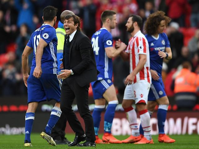 Antonio Conte celebrated Cahill's late winner as if it had clinched the title (Getty)