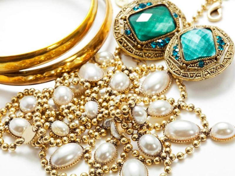 Jewellery is much, much more affordable when it's pre-loved. Source: Cash Converters