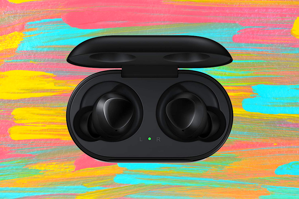 Save 39 percent on these Samsung Galaxy Buds earbuds. (Photo: Amazon)
