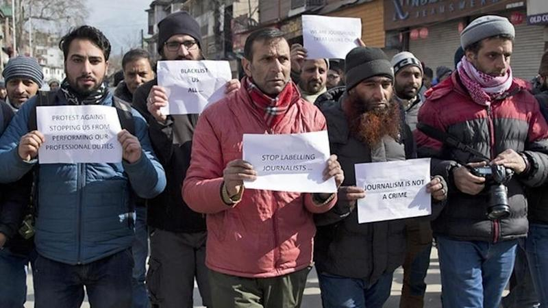 """Kashmir rights group complains of India's policy of """"digital apartheid"""""""