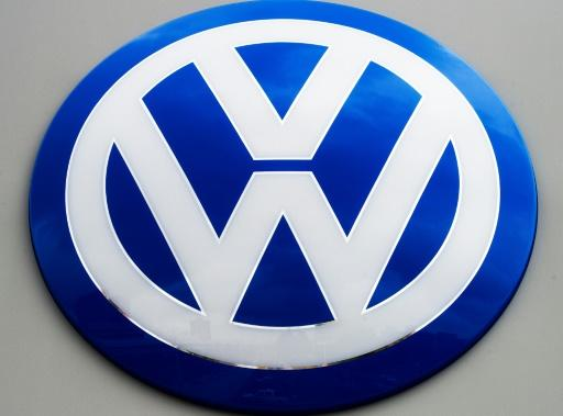 Volkswagen offers up to 10000 euros in premiums to new-car buyers