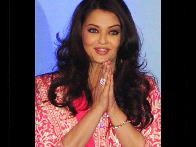 <b>3. Aishwarya Rai</b><br>Aishwarya Rai Bachchan's brand value is high despite being on a break. She commands an impressive Rs 4 crores from endorsements alone. And was paid Rs 6 crore for 'Robot' opposite Rajinikanth.