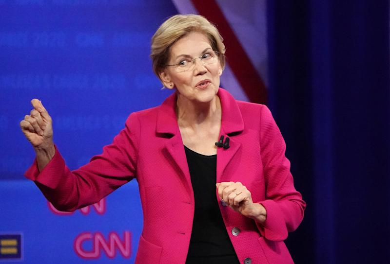Elizabeth Warren's response to question about same-sex marriage has the internet reacting