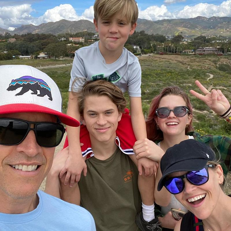 Reese Witherspoon is quarantining at home with her husband and three children. (Photo: Instagram)
