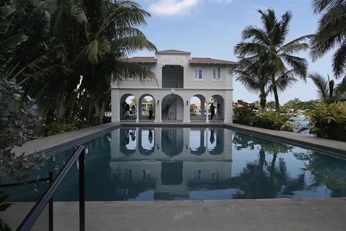 <p><i>Capone added the pool house cabana structure. The pool was built at 30-by-60-feet to best the Biltmore Hotel's record for largest pool in the area, according to the Miami Herald. (<i>Photo: Joe Raedle/Getty Images)</i><br></i></p>