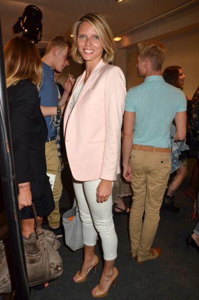 <p>Business casual gets a 2011 update with a pale pink blazer, white skinny crops, and peep-toe pumps. </p>