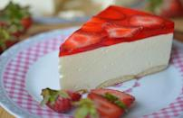 """<p><a href=""""https://www.thedailymeal.com/entertain/10-no-bake-desserts-summer-parties-slideshow?referrer=yahoo&category=beauty_food&include_utm=1&utm_medium=referral&utm_source=yahoo&utm_campaign=feed"""" rel=""""nofollow noopener"""" target=""""_blank"""" data-ylk=""""slk:No-bake desserts"""" class=""""link rapid-noclick-resp"""">No-bake desserts</a> are the summer savior for those days when you don't want to turn on the oven but can't deny your sweet tooth. This strawberry cheesecake recipe with a Nilla wafer crust and fruity Jell-O layer is the perfect thing for those hot summer days.</p> <p><a href=""""https://www.thedailymeal.com/best-recipes/strawberry-cheesecake-recipe?referrer=yahoo&category=beauty_food&include_utm=1&utm_medium=referral&utm_source=yahoo&utm_campaign=feed"""" rel=""""nofollow noopener"""" target=""""_blank"""" data-ylk=""""slk:For the Polish Cold Cheesecake recipe, click here."""" class=""""link rapid-noclick-resp"""">For the Polish Cold Cheesecake recipe, click here.</a></p>"""
