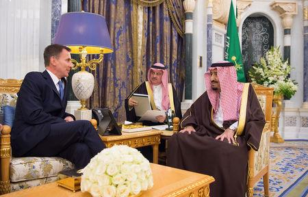 Saudi Arabia's King Salman bin Abdulaziz Al Saud meets with British Foreign Secretary Jeremy Hunt, in Riyadh, Saudi Arabia November 12, 2018. Bandar Algaloud/Courtesy of Saudi Royal Court/Handout via REUTERS