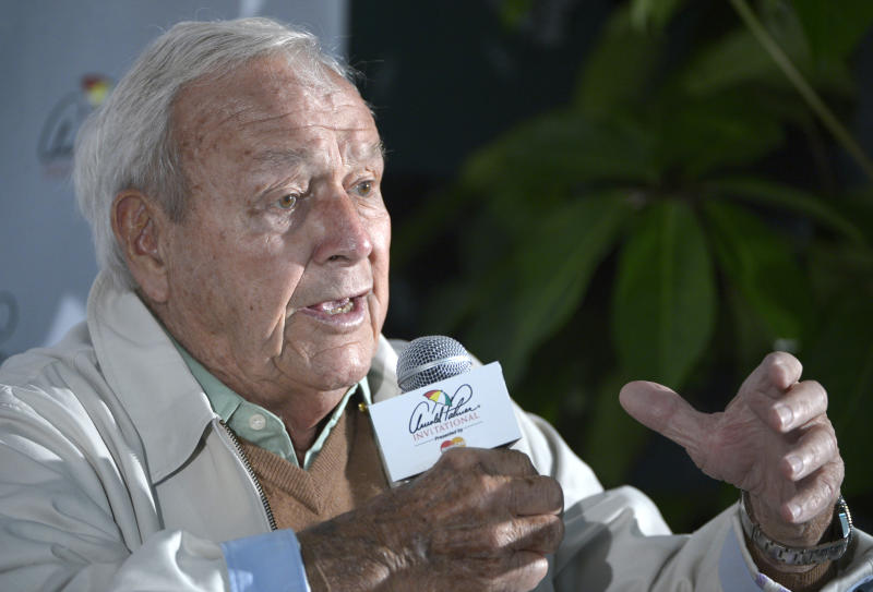 Arnold Palmer answers questions from reporters during a news conference at the pro-am of the Arnold Palmer Invitational golf tournament in Orlando, Fla., Wednesday, March 20, 2013. Palmer is stating his case to ban the method used for long putters. And he says golf would be making a mistake to have two sets of rules. (AP Photo/Phelan M. Ebenhack)