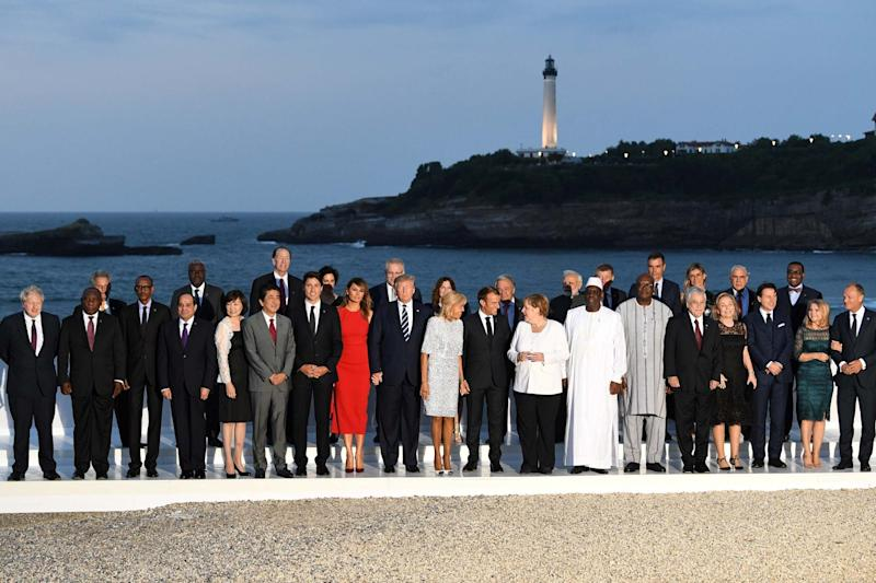 G7 leaders and invited guests post in Biarritz (REUTERS)