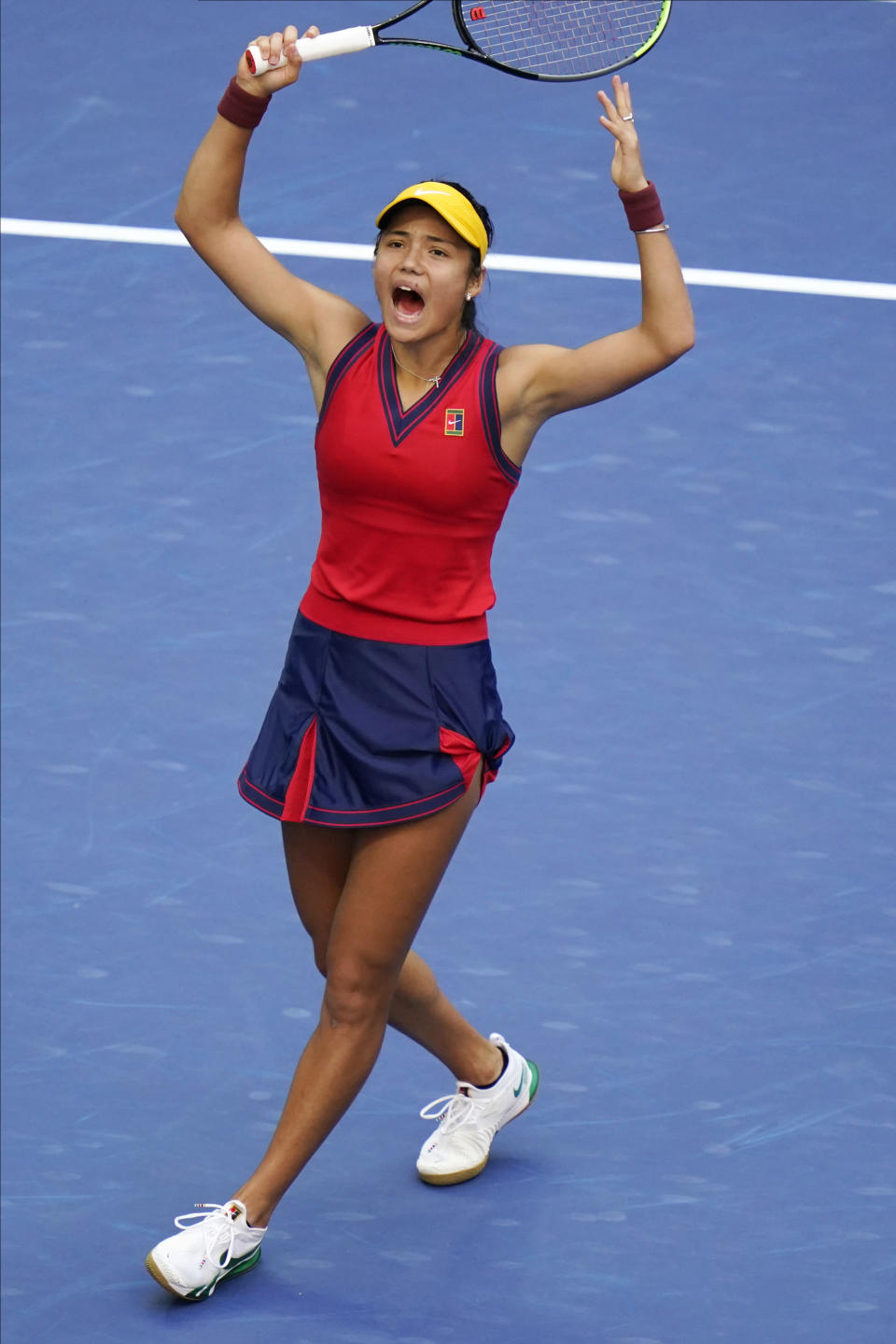 Emma Raducanu, of Britain, reacts after winning the first set against Leylah Fernandez, of Canada, during the women's singles final of the US Open tennis championships, Saturday, Sept. 11, 2021, in New York. (AP Photo/Frank Franklin II)