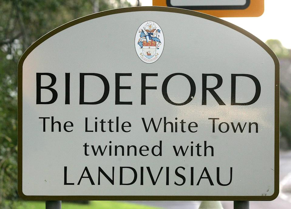 "FILE PICTURE - Bideford, Devon.  A Devon town famously referred to as the ""Little White Town"" has agreed to change signposts to alter it's nickname after complaints were made to a councillor.  See SWNS story SWBRwhite.  Bideford in North Devon takes it's ""Little White Town"" moniker from Charles Kingsley's  book Westward Ho! which was written in 1855 and set in and around the area.  However, it seems there are some people who want to consign what they see as a politically incorrect tag to history.  Bideford town councillor and former mayor Dermot McGeough tables a motion at last night's town council meeting which called to scrap the name from signs in the town."