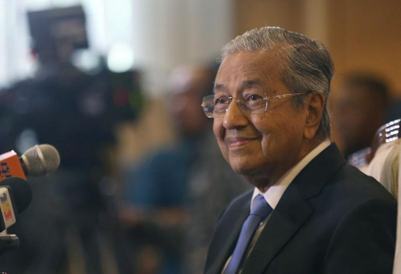 Prime Minister Tun Dr Mahathir Mohamad will have difficulty fulfilling the promises of the Pakatan manifesto, Utusan Malaysia says. ― Picture by Razak Ghazali