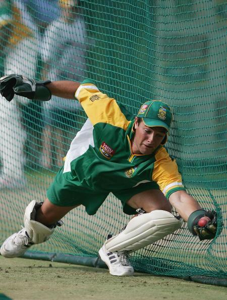 JOHANNESBURG, SOUTH AFRICA - JANUARY 11:  Mark Boucher of South Africa makes a diving catch during the South Africa nets session on January 11 2005 at the Wanderers Stadium,  Johannesburg, South Africa  (Photo by Tom Shaw/Getty Images)