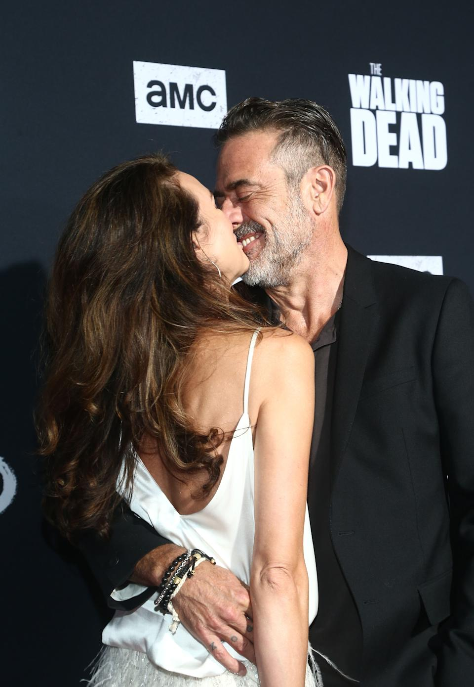Hilarie Burton and Jeffrey Dean Morgan Are Super Loved Up
