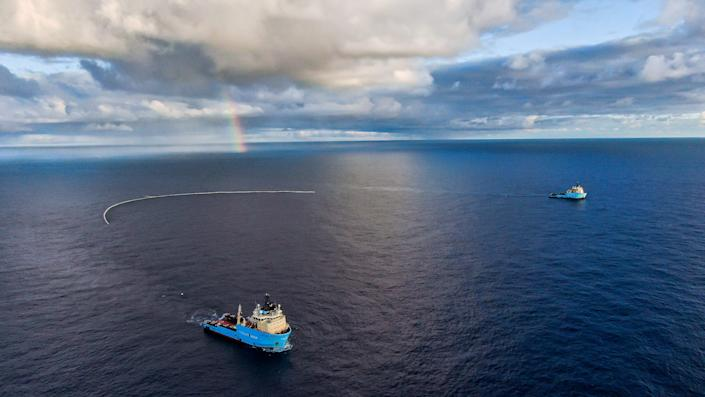 System 002 during a test run in the Great Pacific Garbage Patch. (Photo: The Ocean Clean Up)
