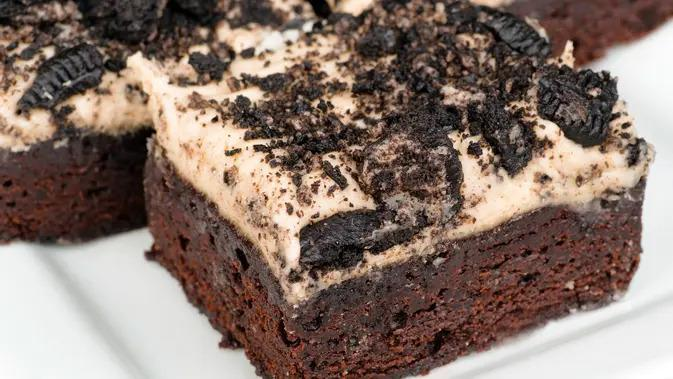 ilustrasi brownies oreo/copyright by Rob Hainer (Shutterstock)
