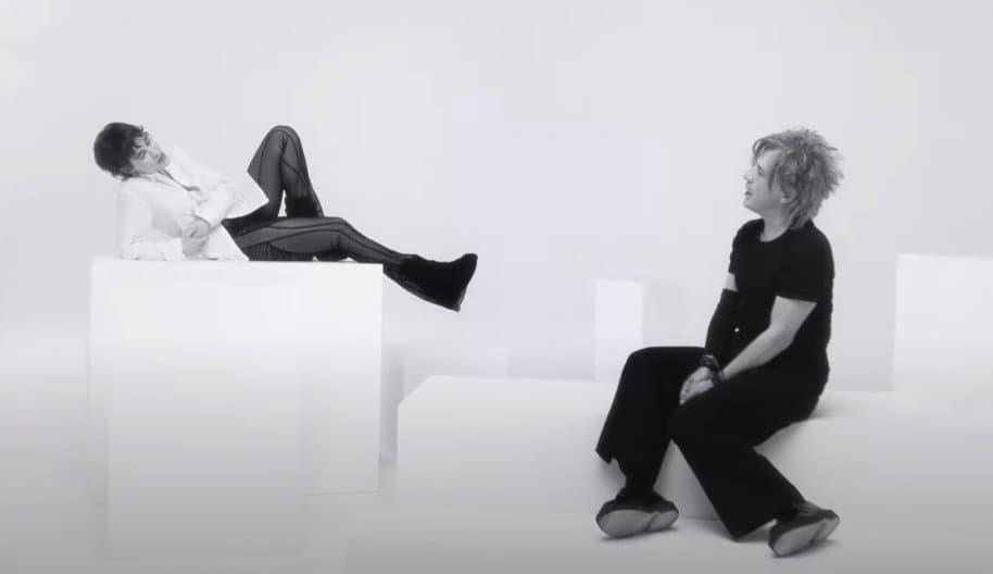 Indochine & Christine and the Queens - Youtube