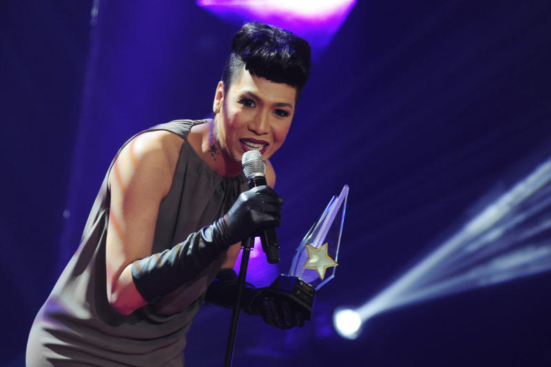 "Vice Ganda receives the award for ""Best Male Celebrity/Showbiz Oriented Talk Show Host"" during the 26th Star Awards for TV held at the Henry Lee Irwin Theater in Ateneo De Manila University on 18 November 2012. (Angela Galia/NPPA images)"