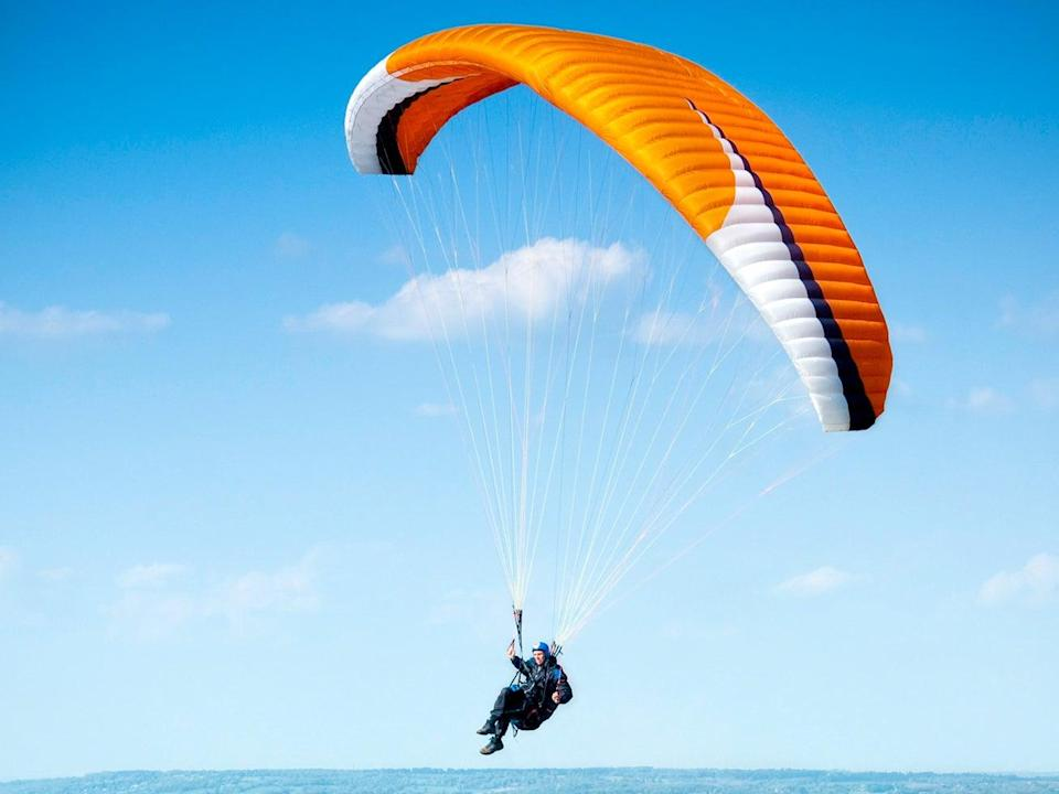 Hang gliders take off from the top of the horse (Getty Images/iStockphoto)