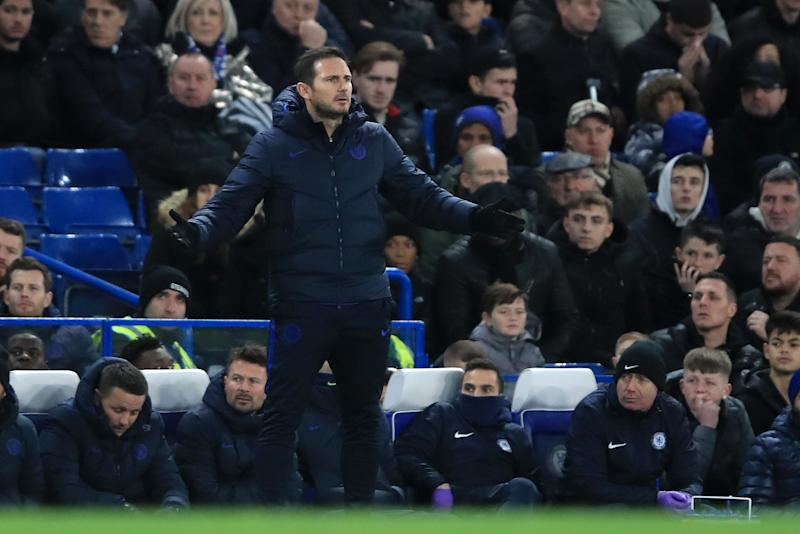 LONDON, ENGLAND - DECEMBER 26: Frank Lampard, Manager of Chelsea gives his team instructions during the Premier League match between Chelsea FC and Southampton FC at Stamford Bridge on December 26, 2019 in London, United Kingdom. (Photo by Marc Atkins/Getty Images)