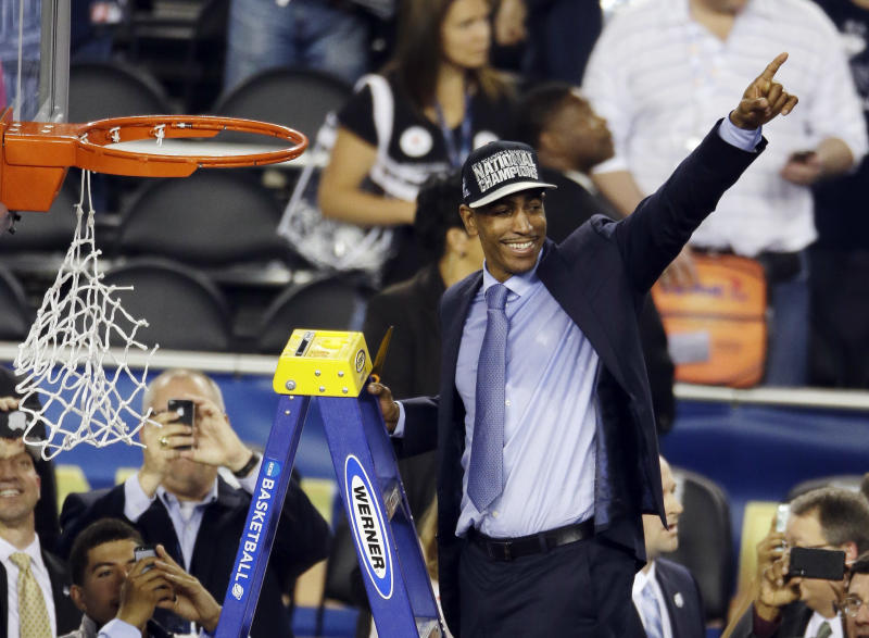 LeBron says he's thrilled for UConn's Kevin Ollie