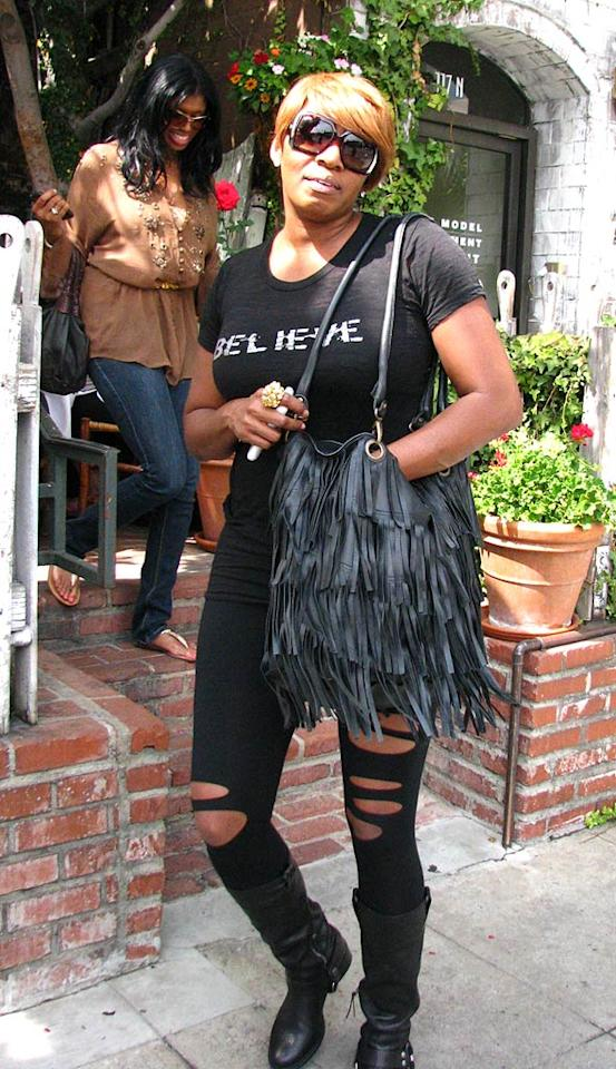 """You can take """"Real Housewives"""" star NeNe Leakes out of Atlanta, but you apparently can't take her to the Ivy in LA and not be embarrassed. KAT/<a href=""""http://www.infdaily.com"""" target=""""new"""">INFDaily.com</a> - September 28, 2009"""