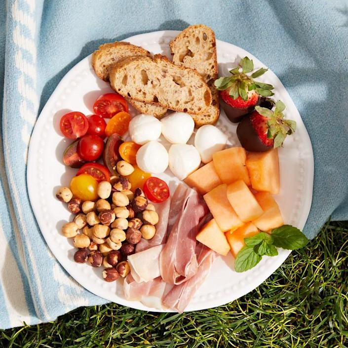 <p>This perfect picnic for two is great for an outdoor date night or even just a quick, romantic dinner at home. The fresh fruit, vegetables and cheese pair perfectly with prosecco for sipping. Chocolate-dipped strawberries for dessert make the meal extra-special.</p>