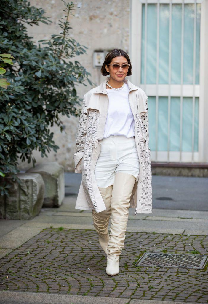 <p>Different shades of white, ivory, cream, and beige break up an outfit while still keeping it cohesive. Keep to the scheme with your accessories or use them to add a pop of color. </p>