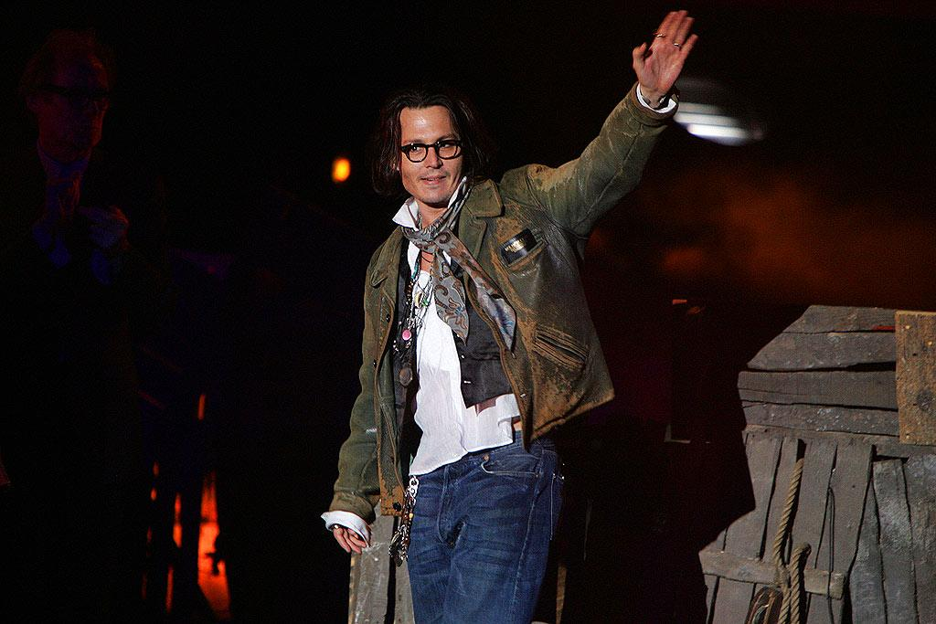 "Johnny waves to his fans. Steve Granitz/<a href=""http://www.wireimage.com"" target=""new"">WireImage.com</a> - May 19, 2007"