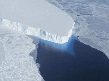 Global sea levels to rise drastically by 2100 due to Greenland, Antarctica's melting ice sheets