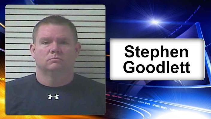 Police: Principal admits to stealing nude pictures from