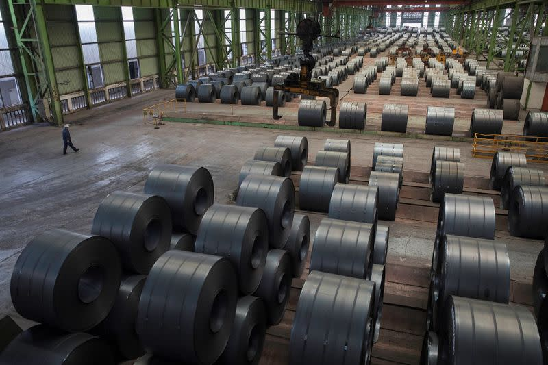China steel inventories pile up as coronavirus shakes demand
