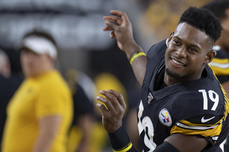 Pittsburgh Steelers wide receiver JuJu Smith-Schuster (19) dances on the sidelines during the game between the Pittsburgh Steelers and the Cincinnati Bengals on September 30, 2019 at Heinz Field in Pittsburgh, PA. (Photo by Shelley Lipton/Icon Sportswire via Getty Images)