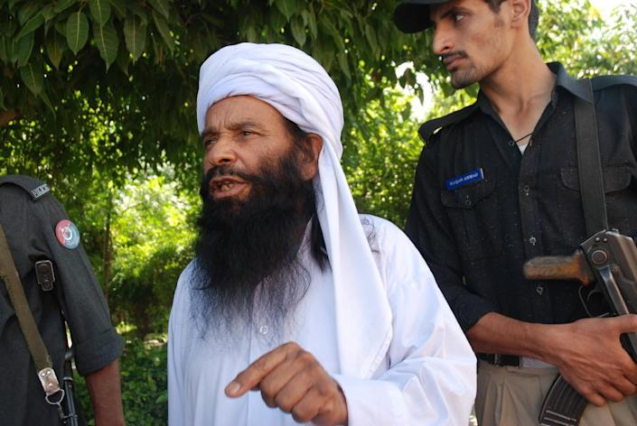 Pakistani cleric Mullah Ilyas Qadri speaks with AFP at a police station in Haripur on July 19, 2014 (AFP Photo/Shakil Ahmad)